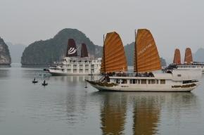 Barcos ao amanhecer